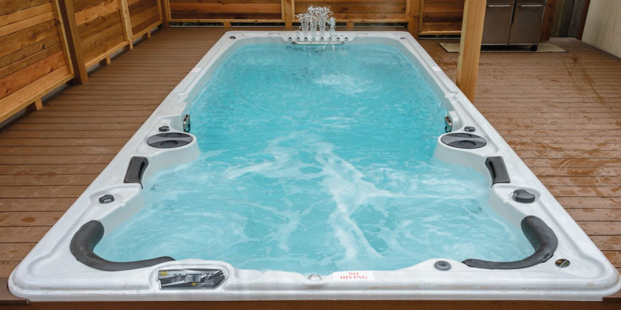 hot tubs and swim spas what s the difference hydropool wiltshire. Black Bedroom Furniture Sets. Home Design Ideas